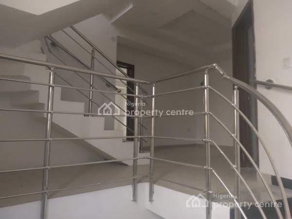 4 Bedroom Duplex, ., Iponri, Surulere, Lagos, Terraced Duplex for Sale
