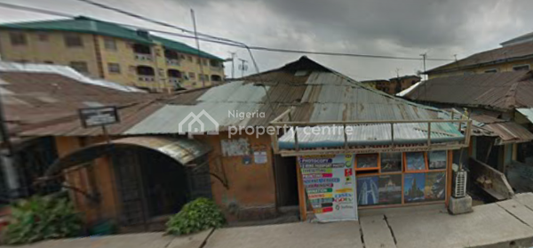 an Old Bungalow on Full Plot, Apata Street, Onipanu, Shomolu, Lagos, Detached Bungalow for Sale
