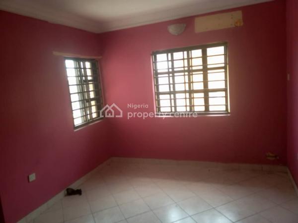 Upper Floor 2 Bedroom Flat, Lekki Phase 1, Lekki, Lagos, Flat for Rent