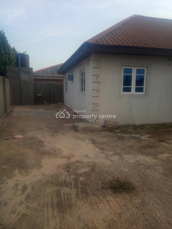 2 Bedroom Flat, Oreyo, Igbogbo, Ikorodu, Lagos, Flat for Rent