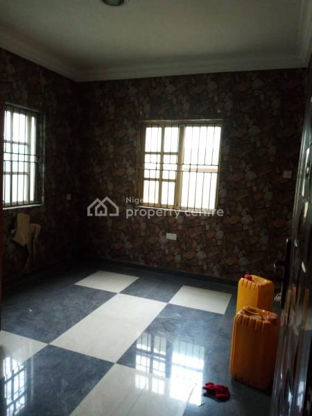 Standard 2 Bedroom Flat, Otedola Est, Omole Phase 2, Ikeja, Lagos, Flat for Rent