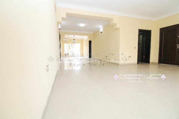 3 Bedroom Serviced Flat  + Gym + Pool Lekki Phase 1, Lekki Phase 1, Lekki, Lagos, Flat for Rent