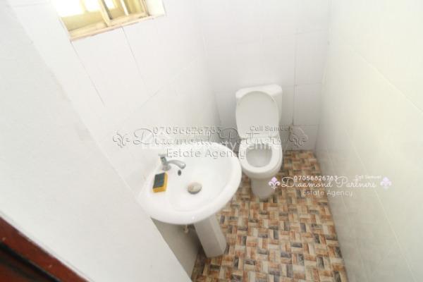 3 Bedroom Flat + Bq Serviced Flat, Off Admiralty Way, Lekki Phase 1, Lekki, Lagos, Flat for Rent