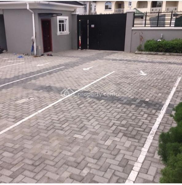 For Rent: 3 Bedroom House With A Maid Ensuite Room , Lekki