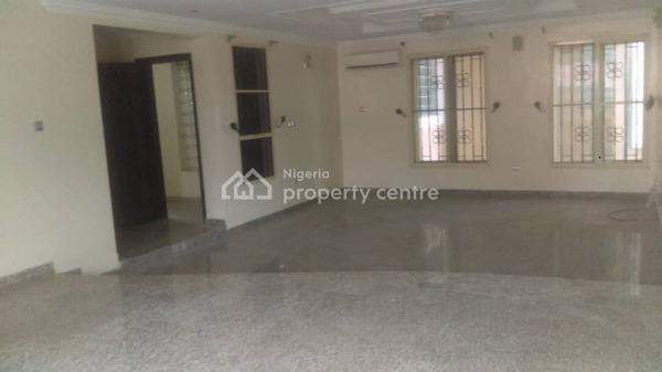 Spacious 3 Bedroom Flat, Off Second Roundabout, Lekki Phase 1, Lekki, Lagos, Flat for Rent
