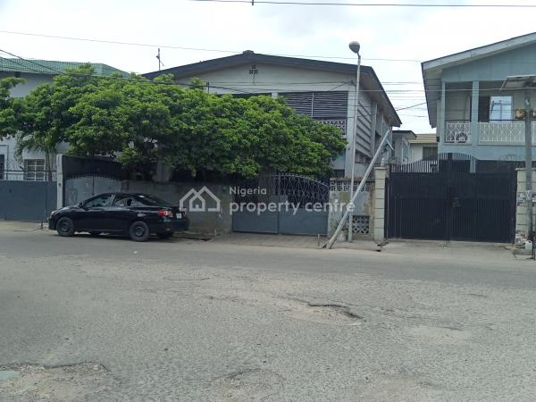 a Black of 4 Flat of 3 Bedrooms, Off Adelabu, Adelabu, Surulere, Lagos, Block of Flats for Sale