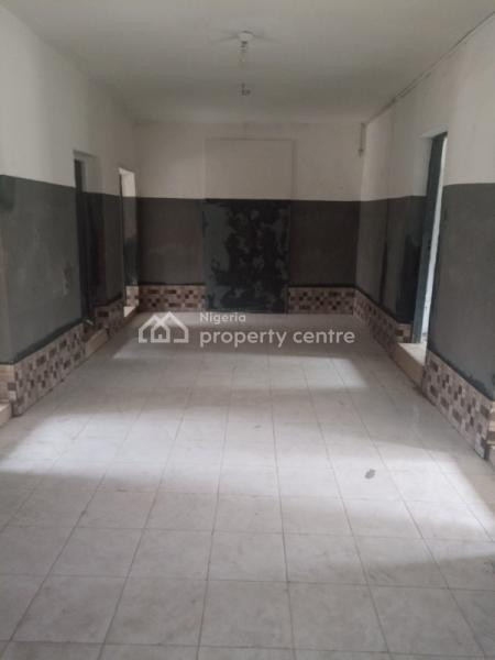 a Nice and Spacious 3 Bedroom Flat, Off Akinbo Street, Adekunle, Yaba, Lagos, Flat for Rent