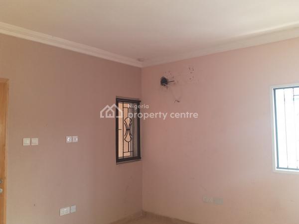 a  Very Decent Serviced Unit of 3 Bedroom Terraced Duplex, Bamidele Eletu, Osapa, Lekki, Lagos, Terraced Duplex for Sale