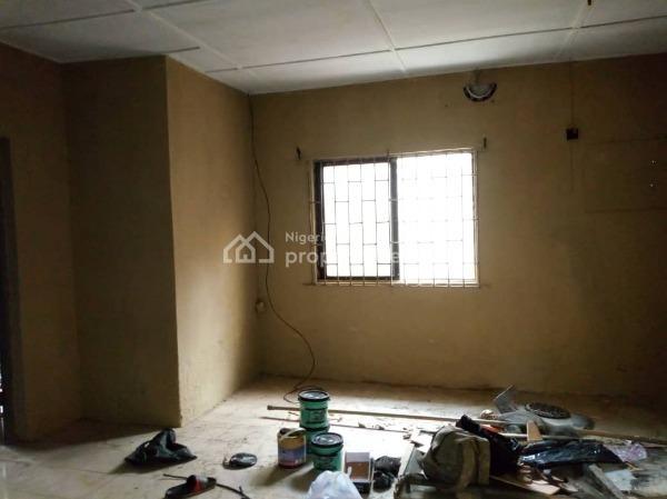 Renovated 3 Bedrooms, Akoka, Yaba, Lagos, Flat for Rent
