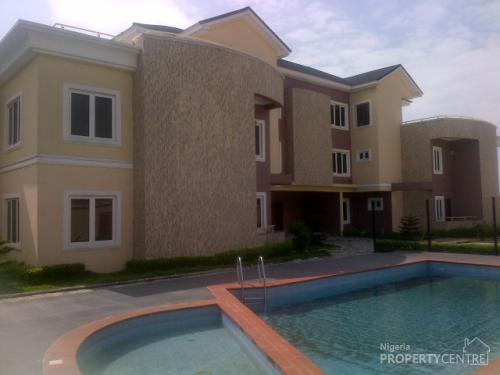 Beautifully finished 4 bedroom terrace house with boys for Terrace house boys
