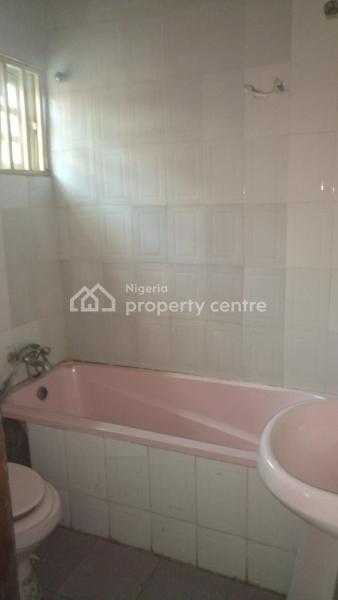 3 Bedroom Flat, By Borno Way, Off Hughes Avenue, Alagomeji, Yaba, Lagos, Flat for Rent