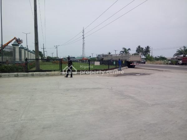 Well Located and Functional Warehouse Bay, Lekki Epe Expressway, Eleko, Ibeju Lekki, Lagos, Warehouse for Rent