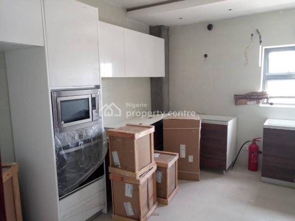 Exquisitely Finished, Spacious 3 Bedroom Flat, By Petrocam Filling Station (lekki Right), Lekki Phase 1, Lekki, Lagos, Flat for Sale