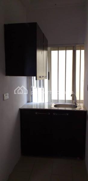 Luxurious and Spacious, Yeye Olofi, Lekki Phase 1, Lekki, Lagos, Mini Flat for Rent