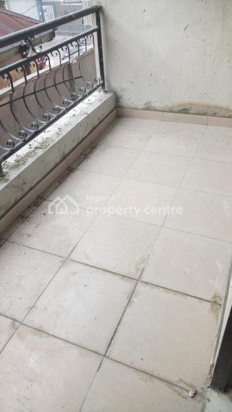 Newly Built 2 Bedroom All Rooms En Suite + Visitors Toilet, Balcony & Car Park, By Hughes Avenue, Alagomeji, Yaba, Lagos, Flat for Rent