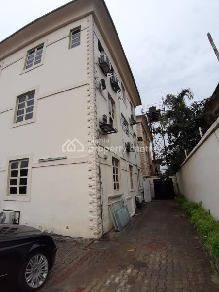 4 Bedroom Spacious House with Bq in a Serene Area, Off Ayinde Akinmade Street, Off Admiralty Way, Lekki Phase 1, Lekki, Lagos, Semi-detached Bungalow for Sale