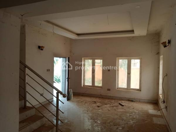 Enjoy Standard Living in This Well Built Town House with 3 Living Rooms. Price Is Slightly Negotiable, Guzape District, Abuja, Terraced Duplex for Sale