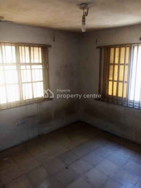 a Decent Mini Flat, Off Elebiju Road, Alapere, Ketu, Lagos, Flat for Rent
