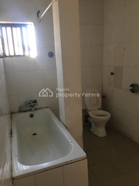 Lovely Spacious 3 Bedroom Flat, Close to Sweet Sensation, Alagomeji, Yaba, Lagos, Flat for Rent
