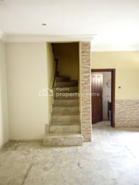 Well Renovated 3 Bedroom Terrace House with a Room Bq, Fitted Kitchen, Shower Cubicle, All En Suite, Gbangbala Stret, Ikate Elegushi, Lekki, Lagos, Terraced Duplex for Sale