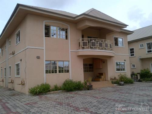 for rent spacious 5 bedroom detached house with bq