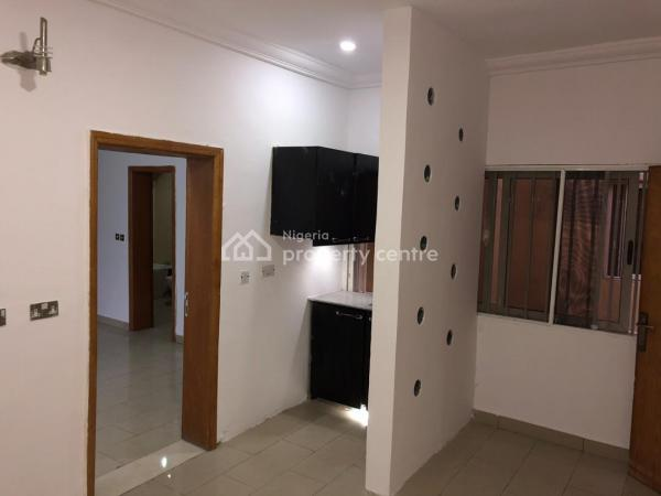 Upper Floor Mini Flat with Generator, Lekki Phase 1, Lekki, Lagos, Mini Flat for Rent