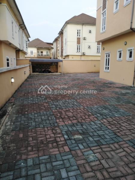 2bedroom Flat at Ologolo for Sale @ 28m, Ologolo, Lekki, Lagos, Block of Flats for Sale