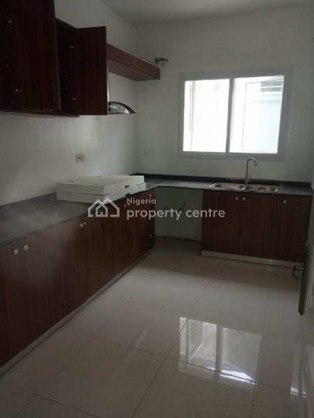 Serviced 4 Bedrooms Terrace Duplex Available, Osapa London, Osapa, Lekki, Lagos, Terraced Duplex for Sale