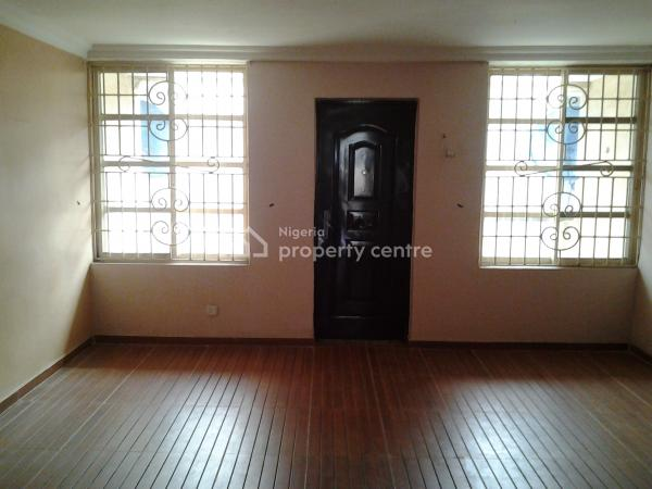 a Very Massive Room Selfcon Penthouse at Lekki, Opposite Chevron, Lekki Expressway, Lekki, Lagos, Self Contained (single Rooms) for Rent