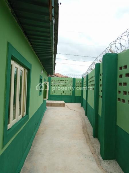 Newly Built of Twin Flat of 3 Bedrooms Each, Ogo Oluwa Estate, Ologuneru Ibadan, Eleyele, Ibadan, Oyo, Block of Flats for Sale