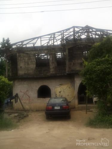 Purpose built uncompleted 15 rooms en suite hotel uyo for Houses for sale with suites