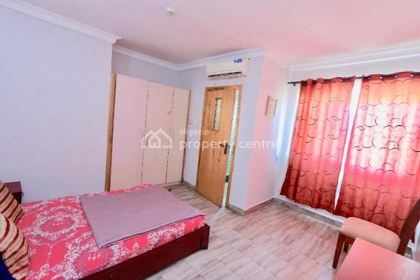 Cozy Newly Furnished 3-bedroom Penthouse  Lekki, Lekki Phase 1, Lekki, Lagos, Flat Short Let