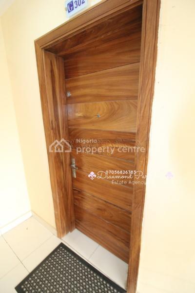 2 Bedroom Serviced Flat, Off Admiralty Way Lekki Phase One, Lekki Phase 1, Lekki, Lagos, Flat for Rent