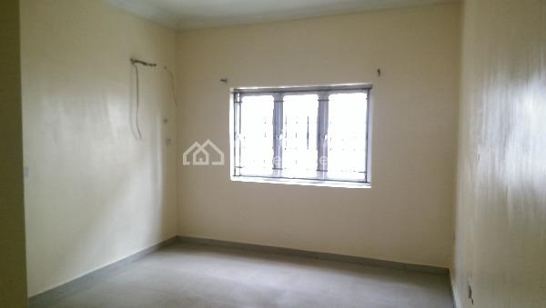 Serviced 3 Bedroom Flat with a Room Boys Quarter in Parkview Estate, Ikoyi. Rent: N4m P.a, Service Charge: N2.5m P.a, Parkview Estate, Parkview, Ikoyi, Lagos, Flat for Rent