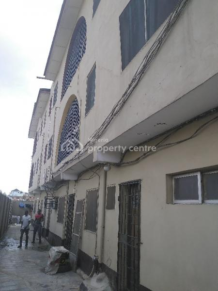 Four Bedroom Apartment, Onipanu, Shomolu, Lagos, House for Rent