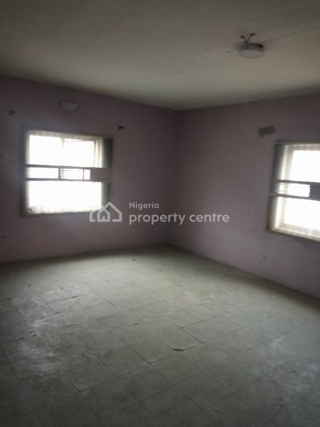 Executive and Super 2 Bedroom Flat, Fola Agoro, Yaba, Lagos, Flat for Rent
