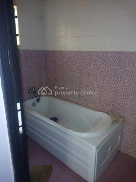 Well Spacious 3 Bedroom Flat, By Nicon Junction, Katampe (main), Katampe, Abuja, Flat for Rent