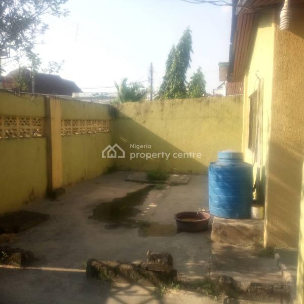 3 Bedroom Bungalow, Mbonu Ojike Close, Ogunlana, Surulere, Lagos, Detached Bungalow for Sale