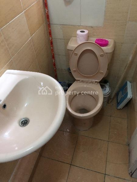 Self Contained, Prime Water Garden 2, Off Freedom Way, Lekki Phase 1, Lekki, Lagos, Self Contained (single Rooms) Short Let