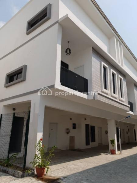 Luxury 2 Bedroom Penthouse, Along Nike Art Gallery, Opposite Freedom Way, Lekki Phase 1, Ikate Elegushi, Lekki, Lagos, Block of Flats for Sale