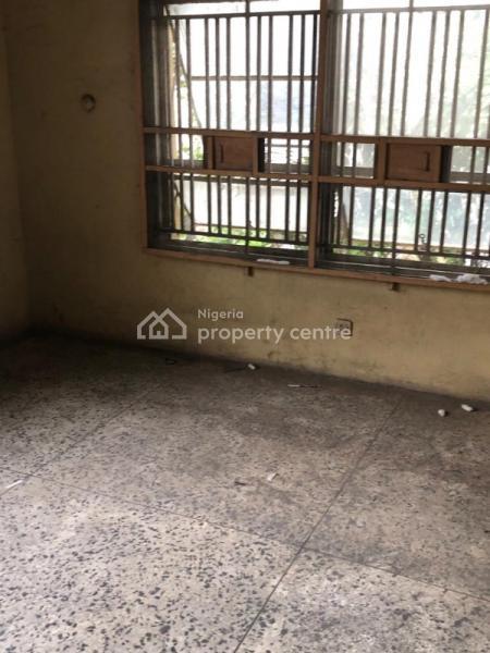 5 Bedroom Back Wing of Duplex with a Room Bq, Mauritala Animashaun Street, Adelabu, Surulere, Lagos, House for Sale