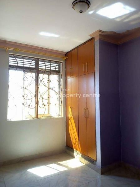 Standard Lovely 3 Bedroom, Shomolu Bajulaye Akoka, Fola Agoro, Yaba, Lagos, Flat for Rent
