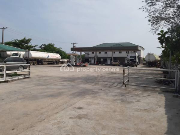 Petrol Station, Sapati, Lekki-epe Express, Ibeju Lekki, Lagos, Filling Station for Rent