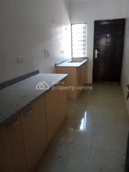 Standard 2 Bedroom Flat, Off Orchid Hotel Road, Lafiaji, Lekki, Lagos, Terraced Bungalow for Sale