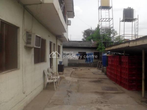 Spacious 6 Bedrooms Semi Detached, Estate Phase 1, Kado, Abuja, Semi-detached Duplex for Sale