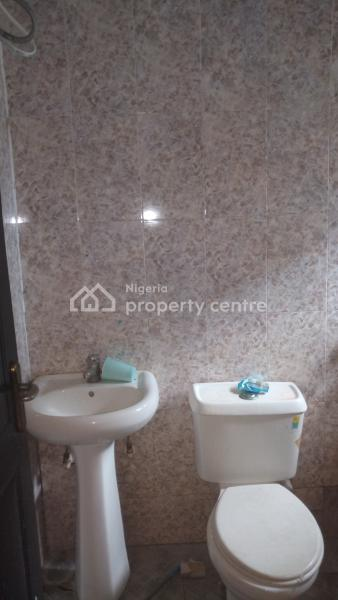 3 Bedroom All Rooms Ensuite Flat ( Upstairs), Off Commercial Avenue, Sabo, Yaba, Lagos, Flat for Rent