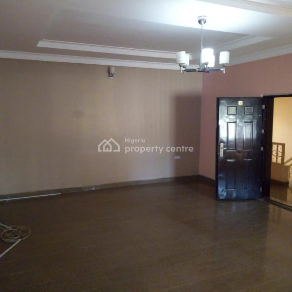2 To 3 Bedroom Apartments For Rent: For Rent: A Well Renovated 2 Bedroom Apartment, Wuye