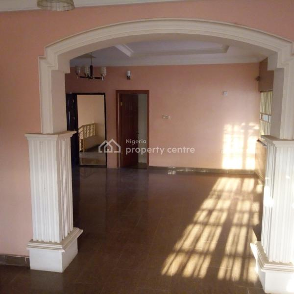 2 Bedroom Apartments For Rent: For Rent: A Well Renovated 2 Bedroom Apartment, Wuye