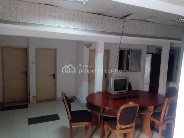 3 Bedroom Bungalow, Shomade Crescent, Adeniran Ogunsanya, Surulere, Lagos, Detached Bungalow for Sale