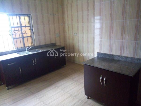 Clean 3 Bedroom Flat, Within a Secured Estate Before Sangotedo Shop Rite Ajah, Ajah, Lagos, Flat for Rent
